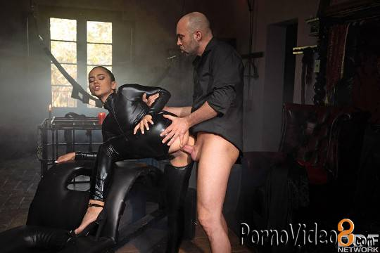 DDFNetwork: Ginebra Bellucci - Anal At The Monastery Video (SD/360p/299 MB)