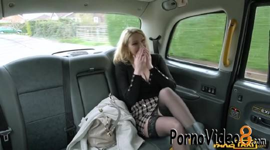 FakeTaxi: Amber Jayne - Amber Jayne And Her New Boobs (SD/400p/270 MB)