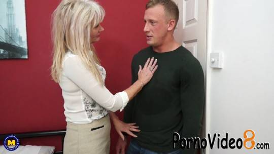 Mature.nl: Ellen B. (EU) (48) - British housewife Ellen loves fucking and sucking her toyboy (FullHD/1080p/1.45 GB)