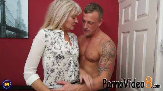 Mature.nl: Ellen B. (EU) (48) - British housewife Ellen loves fucking and sucking her toyboy. Mature (FullHD/1080p/1.45 GB)