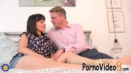 Mature.nl: Lucy Love (EU) (33) - Hot mom Lucy Love wants to be fucked hard and raw and she will do anything to get it (FullHD/1080p/1.97 GB)