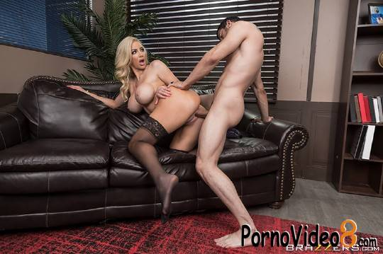 Brazzers: Nicolette Shea - Boss For A Day (HD/720p/613 MB)