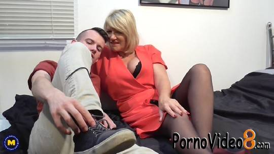 Mature.nl: Amy (EU) (53) - British housewife doing her toyboy (FullHD/1080p/1.80 GB)
