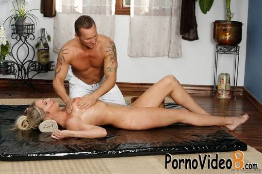 NuruMassage: Marcus London, Lexi Lowe - Met Over The Pond (HD/720p/1006 MB)
