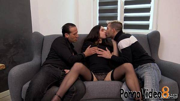 JacquieetMichelTV: Ashley - Ashley, 21, between perversion and obsession  (HD/720p/696 MB)