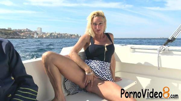JacquieetMichelTV, Indecentes-Voisines: Betty - Betty, 46, Loves The Double At Sea (FullHD/1080p/1.43 GB)