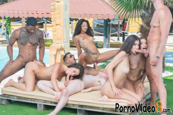 Private: Anastasia Brokelyn, Anya Krey, Scarlet Domingo, Talia Mint - Orgy In The Pool (FullHD/1080p/1.92 GB)