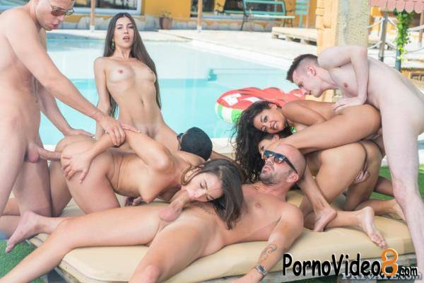 Private: Anastasia Brokelyn, Anya Krey, Scarlet, Talia Mint - Orgy in the Pool (FullHD/1080p/1.92 GB)