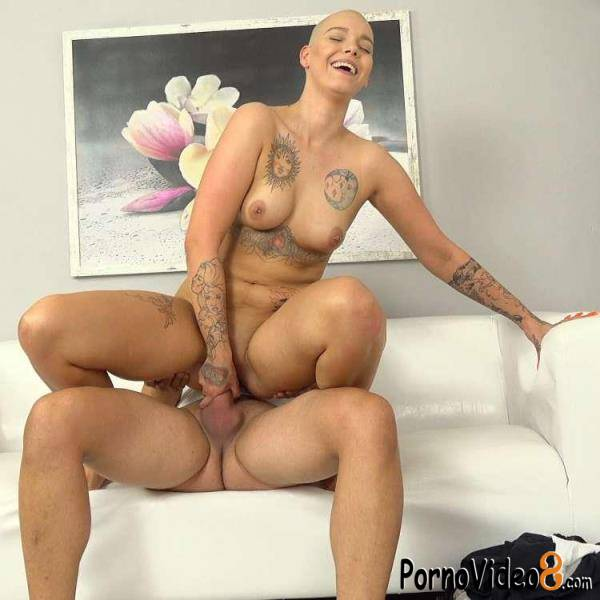 CzechSexCasting, PornCZ: Enigma Silky, Thomas - Shaved head girl in casting fuck dream (UltraHD 2K/1920p/1.09 GB)